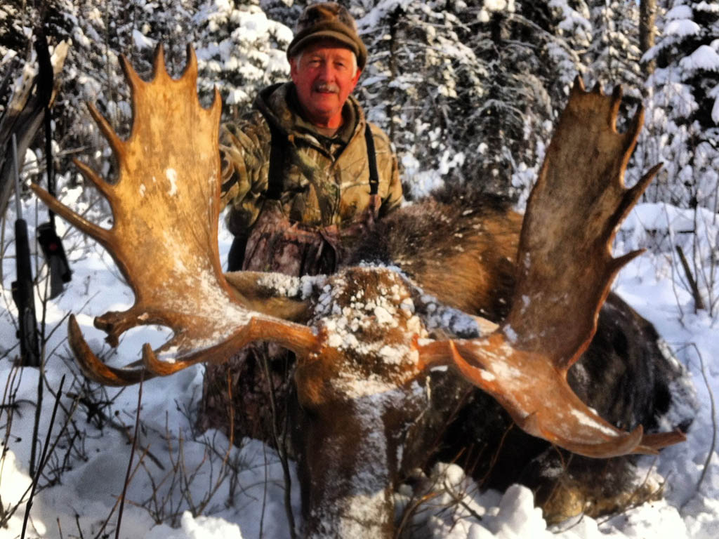 Moose Hunting Wild Kakwa Outfitters