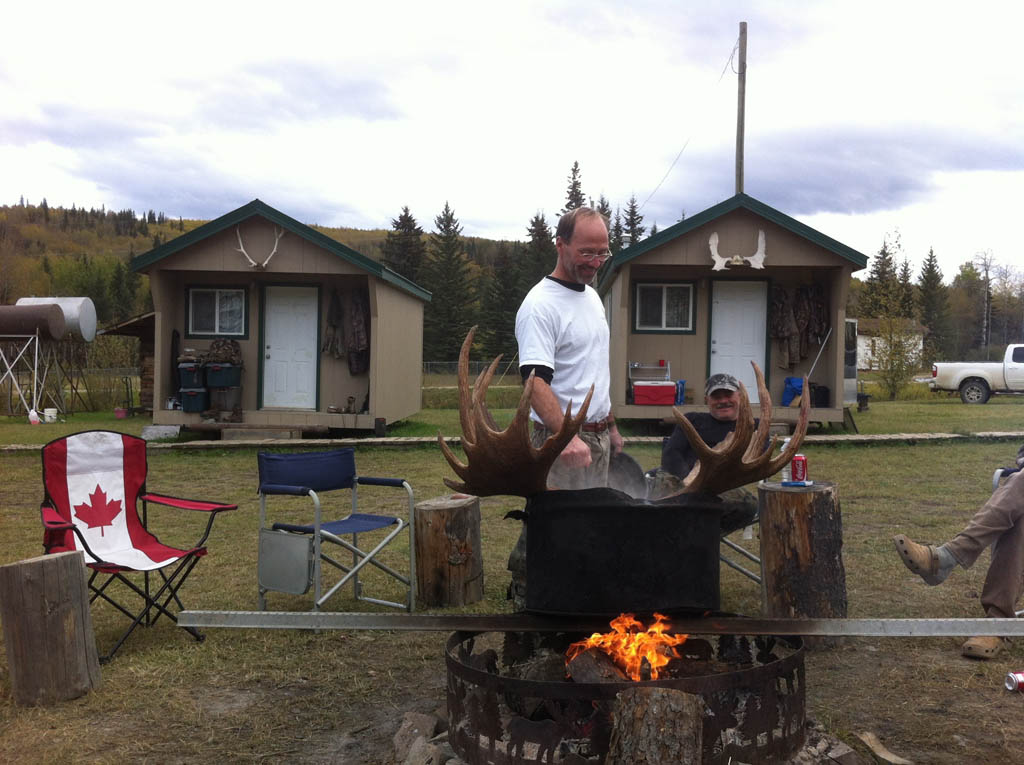 wild kakwa outfitters moose camp