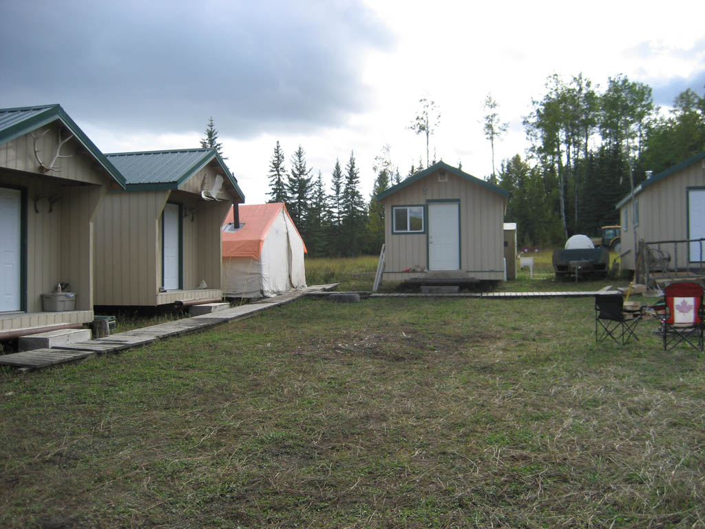 wild kakwa outfitters hunting camp